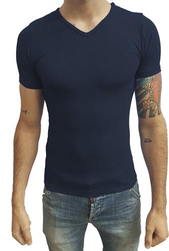 aee9d01f64 Camiseta Slim Fit Masculina Básica Gola V Viés Viscolycra. R  41.39