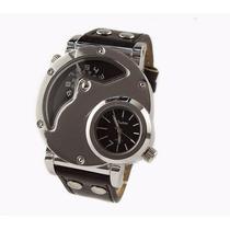 Relógio Pulso Oulm Com Dois Mostradores Analógico Preto