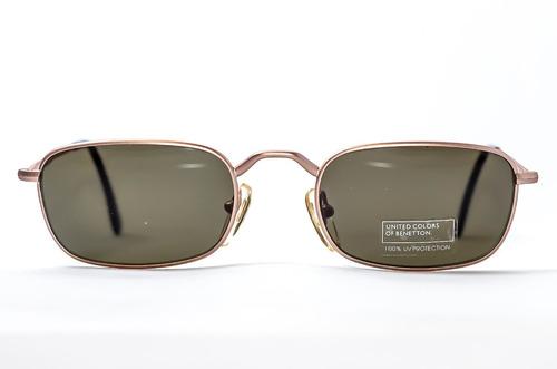60740908df9e3 Oculos De Sol Masculino Pequeno Classico Dos Anos 80. R  79.99