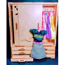 Kit 12 Peças= 1 Guarda Roupa Barbie + 6 Roupas + 5 Cabides
