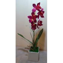 Arranjo Orquídea Vinho Vaso Quadrado Branco