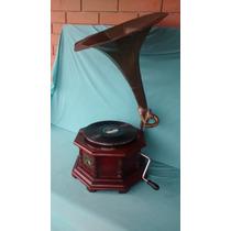 Gramofone Antigo A Corda Com Corneta
