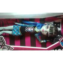 Boneca Frankie Stein Monster High
