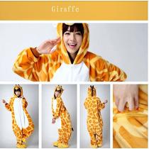 Pijama Adulto Macacão Plush Girafa Com Capuz