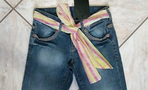 6d3690710a Calça Jeans Feminina Estonada Com Cinto De Fita Da Zoomp. R  134.59