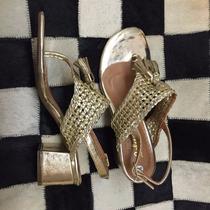 Sandalia Salto Baixo Grosso Doura Marrom Marca Leluel Shoes