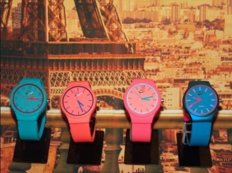 3a8c5fa2e6c Kit 10 Relógio Nike Color Emborrachado Mega Promoção - R  135 en ...