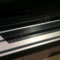 Adesivo Soleira Carro Universal Fibra Carbono Preto Fosco
