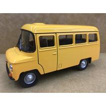 Miniatura Ônibus Nysa Amarelo