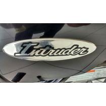 Par Emblema D A Tampa Lateral Intruder 125 2002/10 Suzuki