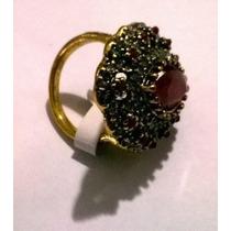 Anel Dourado Com Pedra Vermelha E Cristais Aro 19