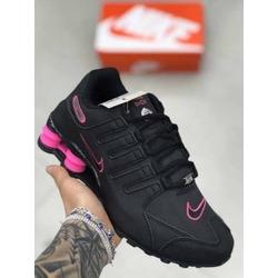 nike shox feminino rosa e preto preço