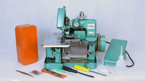 Máquina De Costura Overlock Semi Industrial Flawil