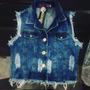 Roupas Femininas / Colete Jeans Destroyed