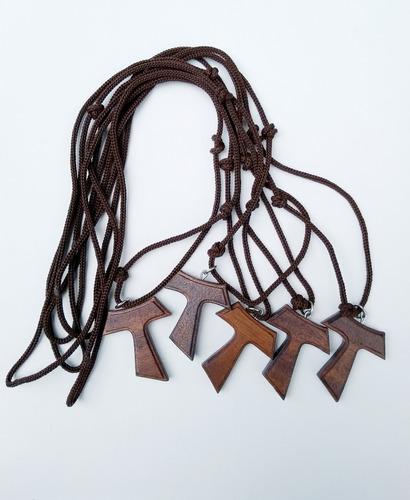 64c1c1abcfa Kit Com 5 Cordões Com Cruz Tau Em Madeira Natural 3