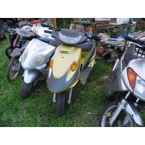 Carenagem Lateral Direita P/ Scooter Ava Kymco Manboy/99.