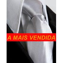 Gravata Prata Acetinada Tradicional Semi Slim Com Nó.