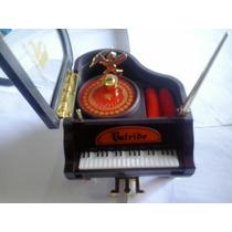 Porta Joia Musical Em Formato De Piano Com Cupido