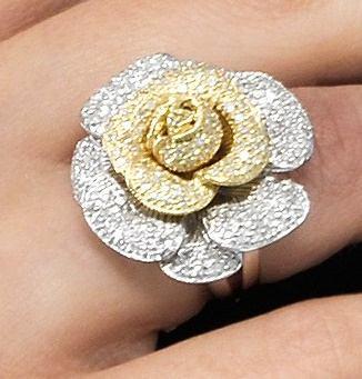 Anel Flor-rara De Diamantes Em Ouro 18 Quilates