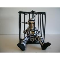 Boneco Esqueleto Móvel Prisioneiro Que Fala E Acende 29 Cm