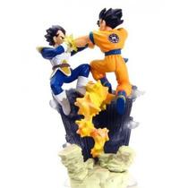 Boneco Gashapon Dragon Ball- Goku Vs Vegeta