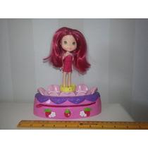 Boneca Moranguinho Gira Flor Fashion - Hasbro