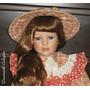 Boneca Porcelana Camponesa 65cm Em Pé Ou Sentada Alto Padrão