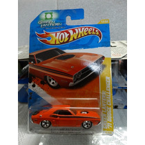 71 Dodge Challenger Lanterna Verde - Hot Wheels 2011 - 1:64
