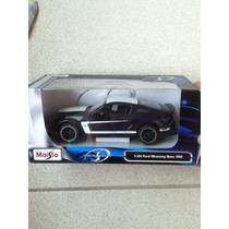 Carrinho Maisto Escala 1:24 Ford Mustang Boss 302