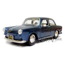 Volkswagen 1600 Notchback 1967 Esc. 1:24 Maisto