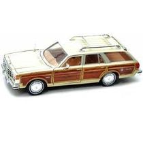 Miniatura Lebaron Town &coutry Wagon 1979 1:24 Motormax Cada