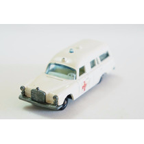 Matchbox Lesney Mercedes Benz Ambulância Regular Wheels