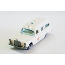 Matchbox Lesney Mercedes Benz Ambulância Regular Wheels