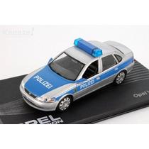 Opel Collection Opel Vectra B Polizei Policia Alemã 1:43 Ixo