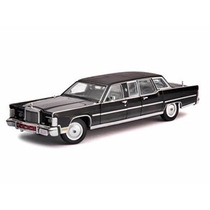 Miniatura Lincoln Continental Reagan Car 1972 1:24 Yat Ming