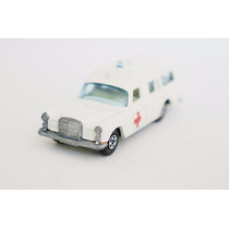 Matchbox Lesney Mercedes Benz Ambulância Superfast