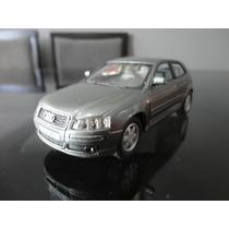 Miniatura Audi A3 Cinza 1:32 Kinsmart
