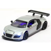Miniatura Audi R8 Lms Prata Com Luz E Som