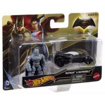 Hot Wheels Batman Vs Superman - Batmobile & Batman