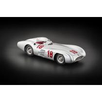 Miniatura Cmc Mercedes W196r Streamliner Fangio 1954/55 1/18