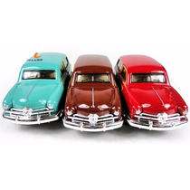 Carro Miniatura Modelo Antigo Wagon De Metal