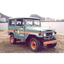Miniatura Toyota Bandeirante Light Veículos Serviço 1:43 Ixo