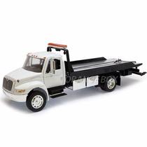 Caminhão Plataforma 4400 Flatbed Jada Toys 1:24 92351-branco