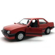 Miniatura Chevrolet Monza 86 Vermelho Brasileiros 1:36