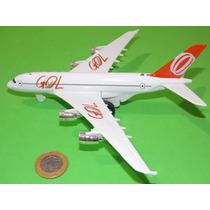 Miniatura Avião Comercial Da Gol. Made China Plástico. Novo.