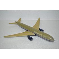 Avião Boeing 777 United Airlines N777ua