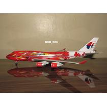 Avião Boeing 747-400 Malaysia Dragon Wings 1:400