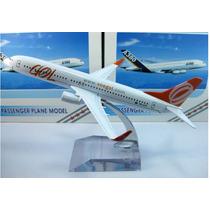 Avião Miniatura Em Metal.