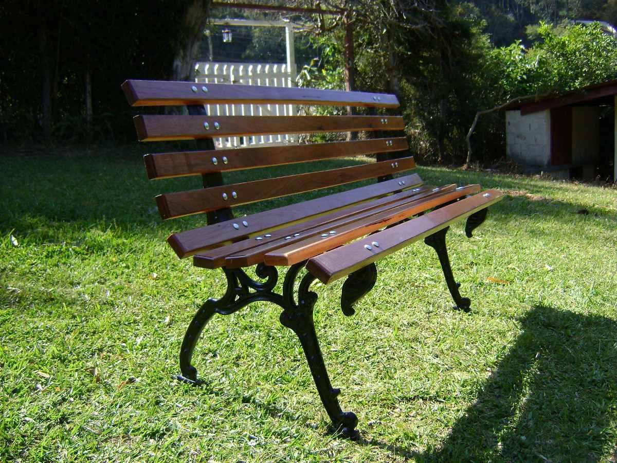 Banco De Jardim Em Madeira E Ferro Fundido R$ 259 99 no MercadoLivre #779437 1200x900