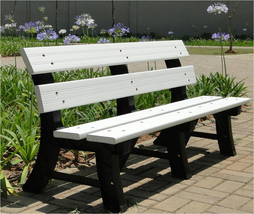 Banco De Jardim Em Madeira Plástica 100% Ecológico !!! R$ 372 00  #48611F 1057x888